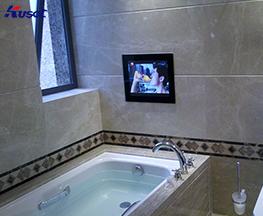 定制浴缸前镜面电视